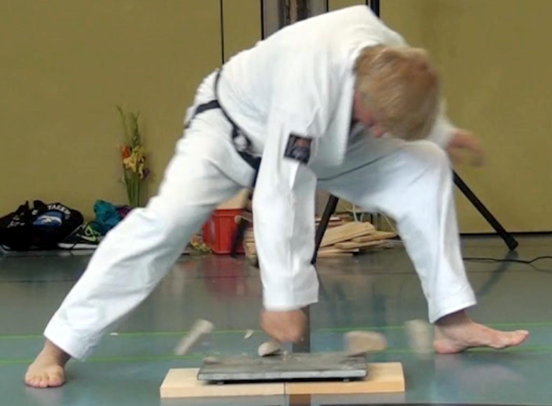 Fehrer Kieselstein Bruchtest Tae Kwon Do Würzburg Kampfsport